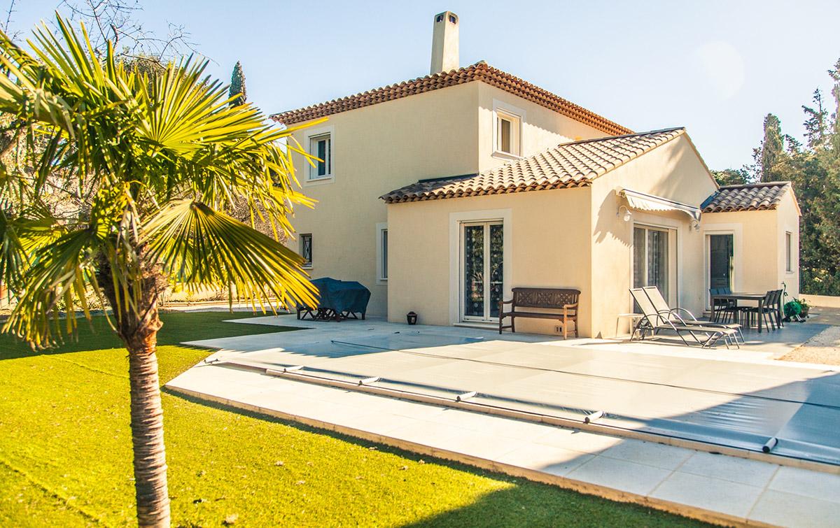 Villa deux tages avec piscine six fours promosud for Horaire piscine six fours